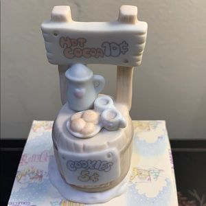 Precious moments sugar town figurine
